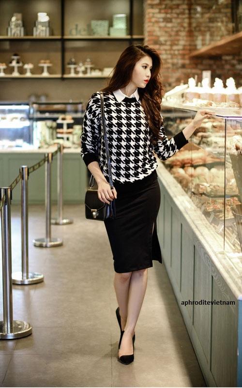 Áo len khi kết hợp cùng chân váy đen bút chì
