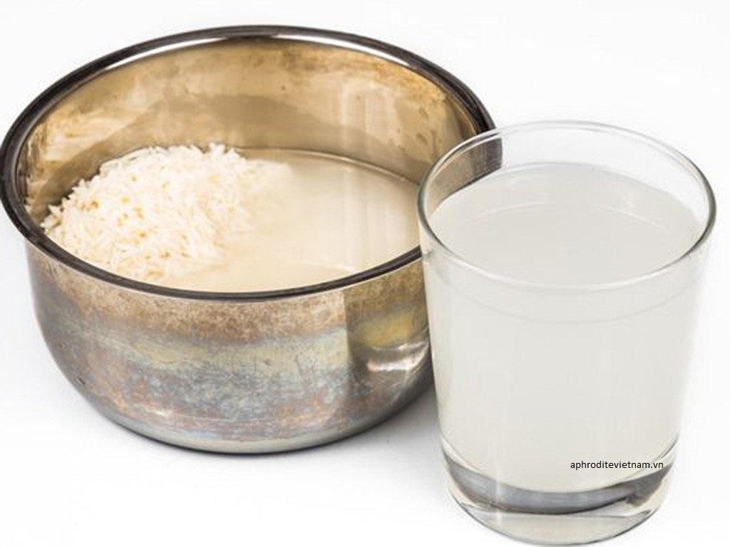 Rửa mặt bằng nước vo gạo có bị bắt nắng