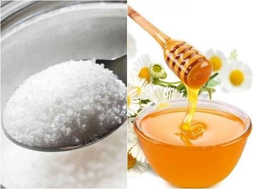 tẩy da chết bằng mật ong và đường