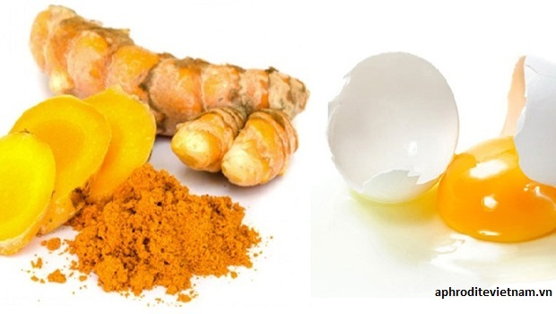 Mặt nạ trứng gà với tinh bột nghệ