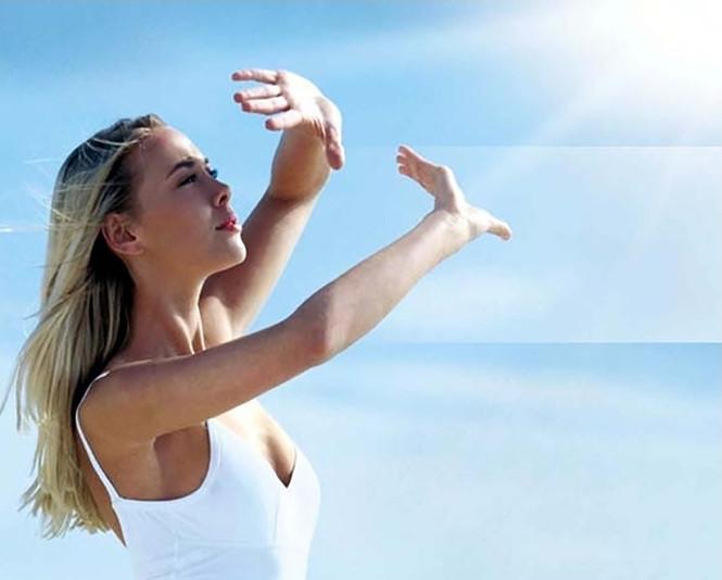 Ánh nắng mặt trời cũng là nguyên nhân gây lão hóa da