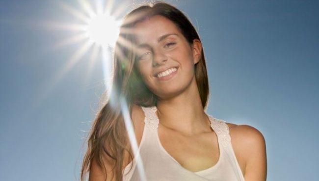 Ánh nắng mặt trời gây nám da