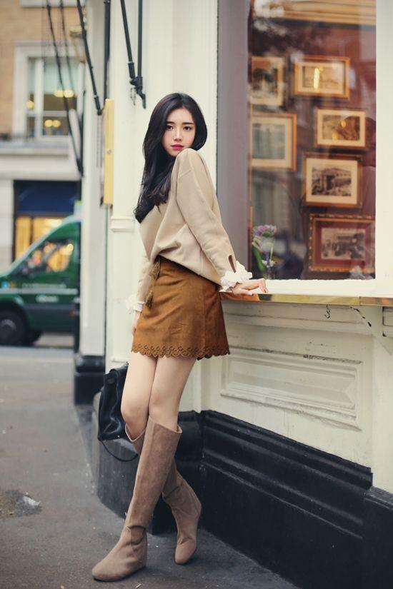 Áo nâu xám mix cùng chân váy nâu đất đẹp và chất