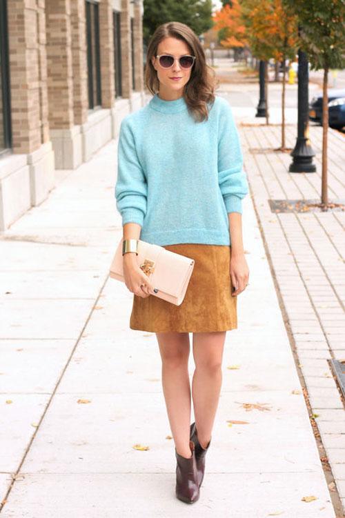 Chân váy nâu mix áo xanh nhẹ nhàng