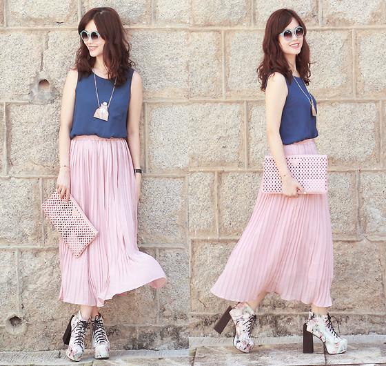 Chân váy hồng mix áo màu xanh coban cực đẹp và sang chảnh