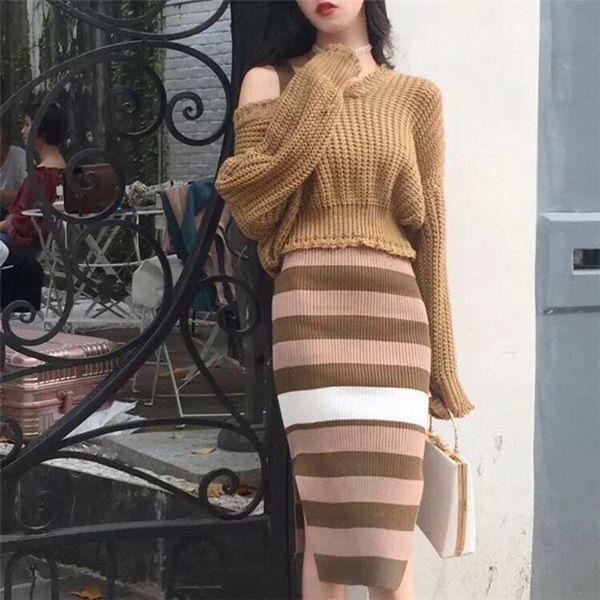 Chân váy len mix áo len mang đến set đồ vô cùng ấn tượng