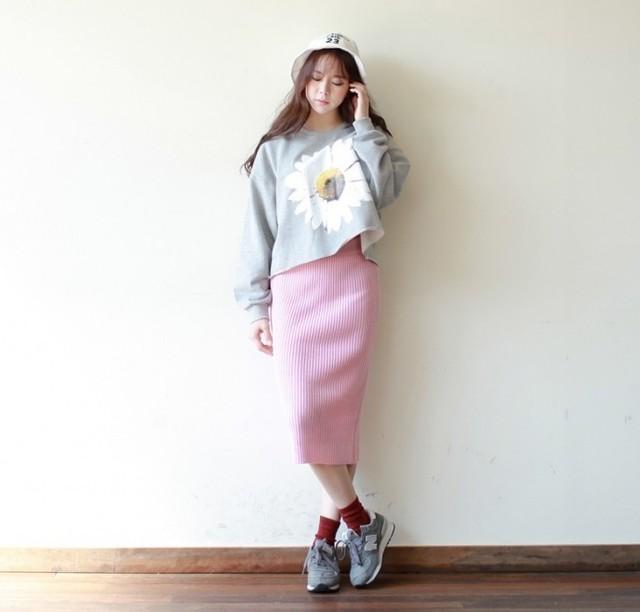 chân váy len ôm cùng áo croptop